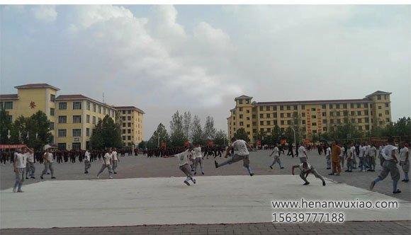少林寺武校学生自由练习