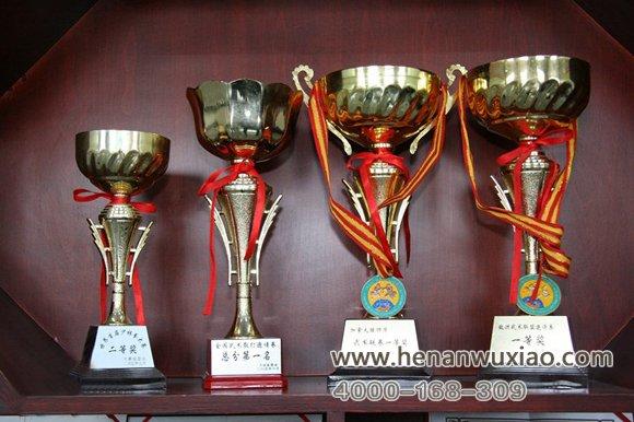 我校多名学员获得第一名、第二名奖杯